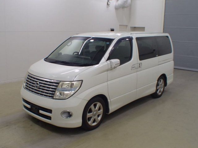 2005 NISSAN ELGRAND 3.5 HIGHWAY STAR AUTOMATIC 8 SEATER CAMPER For Sale (picture 2 of 6)
