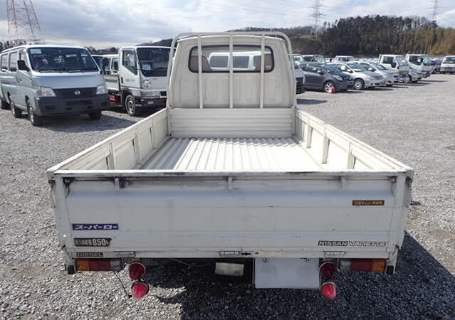 NISSAN PICKUP - 1988 - ONLY 15,500 MILES - RUST FREE TRUCK For Sale (picture 4 of 6)