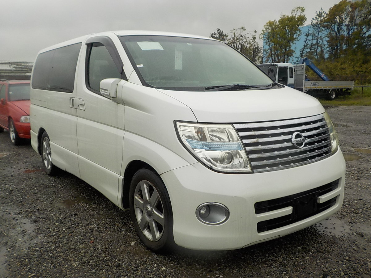 2005 NISSAN ELGRAND 3.5 HIGHWAY STAR AUTOMATIC 8 SEATER CAMPER For Sale (picture 1 of 6)