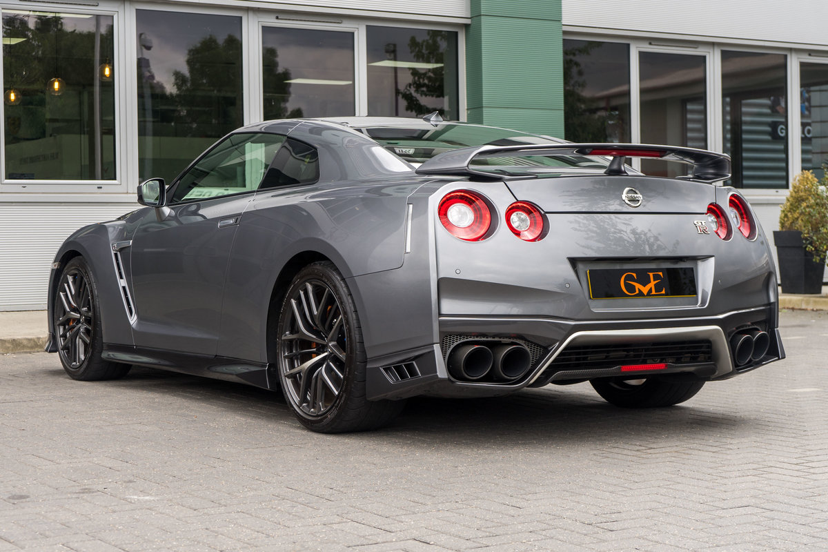 2019 Nissan GTR  SOLD (picture 3 of 6)