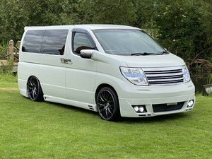 NISSAN ELGRAND RARE CUSTOM 2.5 HIGHWAY STAR * LOW MILEAGE