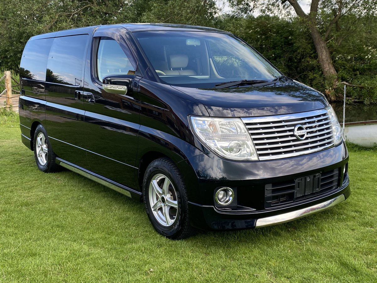 NISSAN ELGRAND 2005 3.5 XL 4X4 * LEATHER SEATS * 7 SEATER SOLD (picture 1 of 6)