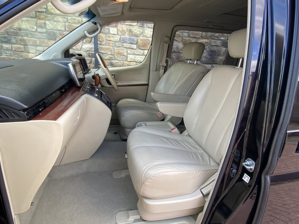 NISSAN ELGRAND 2005 3.5 XL 4X4 * LEATHER SEATS * 7 SEATER SOLD (picture 3 of 6)