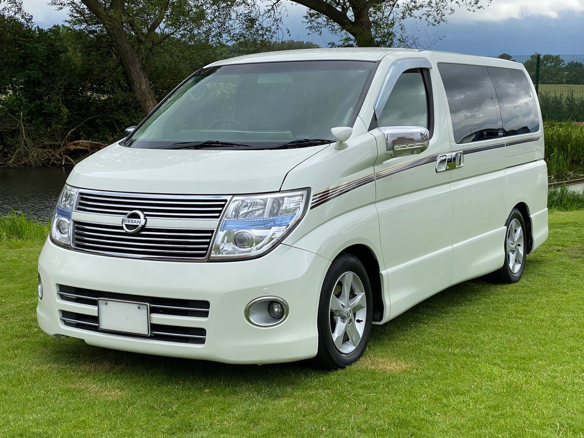 2009 NISSAN ELGRAND 3.5 HIGHWAY STAR * BLACK LEATHER * URBAN SELE For Sale (picture 1 of 6)