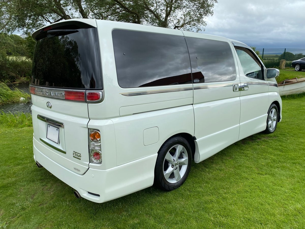 2009 NISSAN ELGRAND 3.5 HIGHWAY STAR * BLACK LEATHER * URBAN SELE For Sale (picture 2 of 6)
