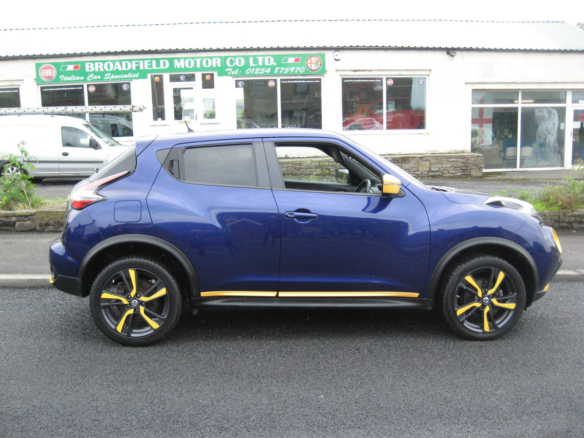 2015 15-reg Nissan Juke 1.5dCi Tekna Yellow edition For Sale (picture 2 of 6)