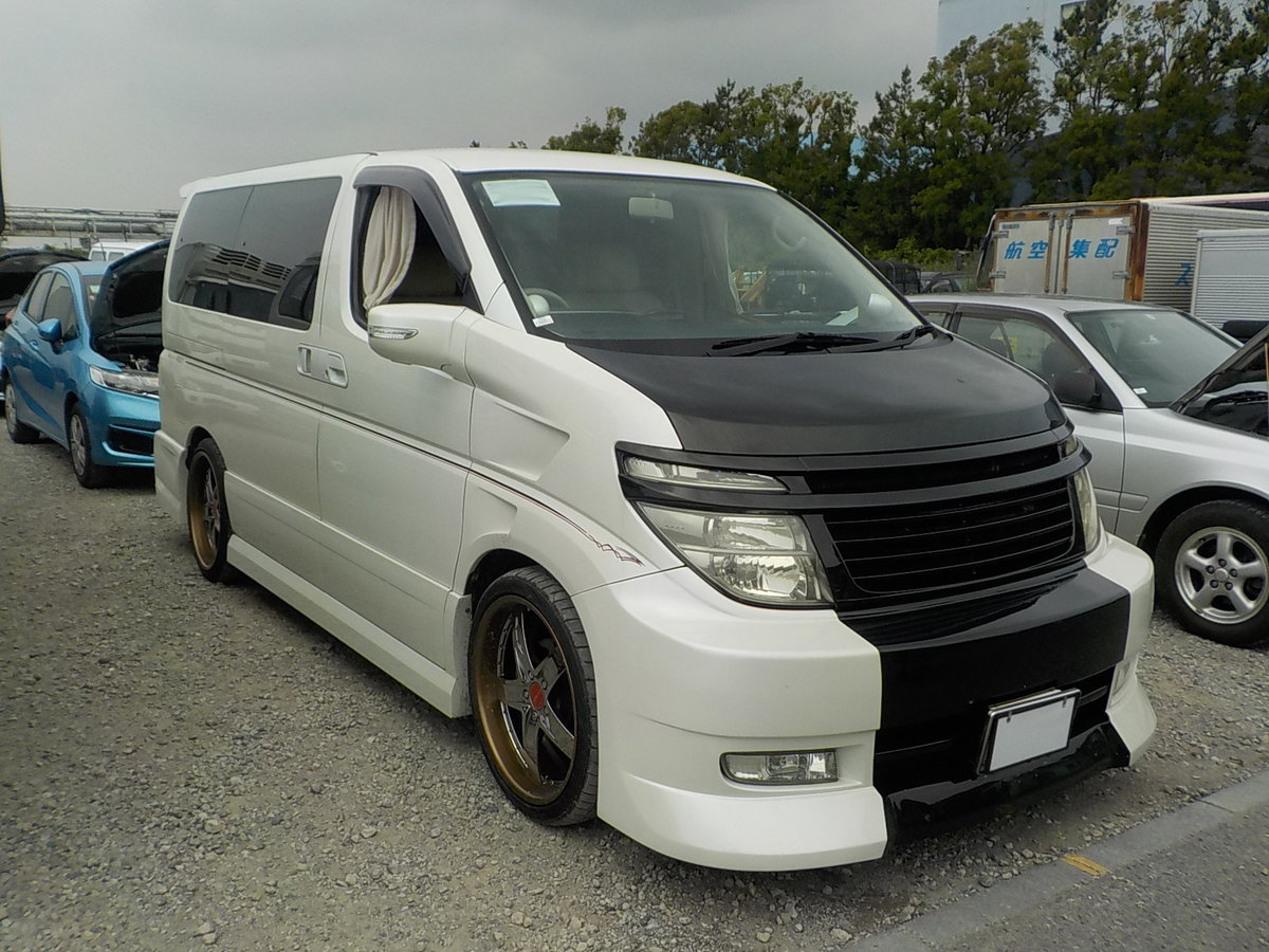 2003 NISSAN ELGRAND 3.5 VG 4X4 AUTOMATIC * 8 SEATER * CUSTOM BODY For Sale (picture 1 of 6)
