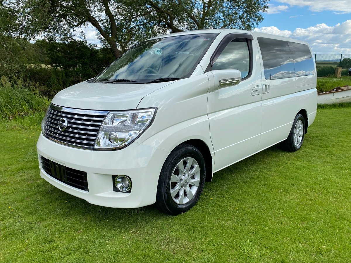 2005 NISSAN ELGRAND 3.5 XL 4X4 FULL LEATHER TWIN POWER DOORS * SOLD (picture 1 of 6)