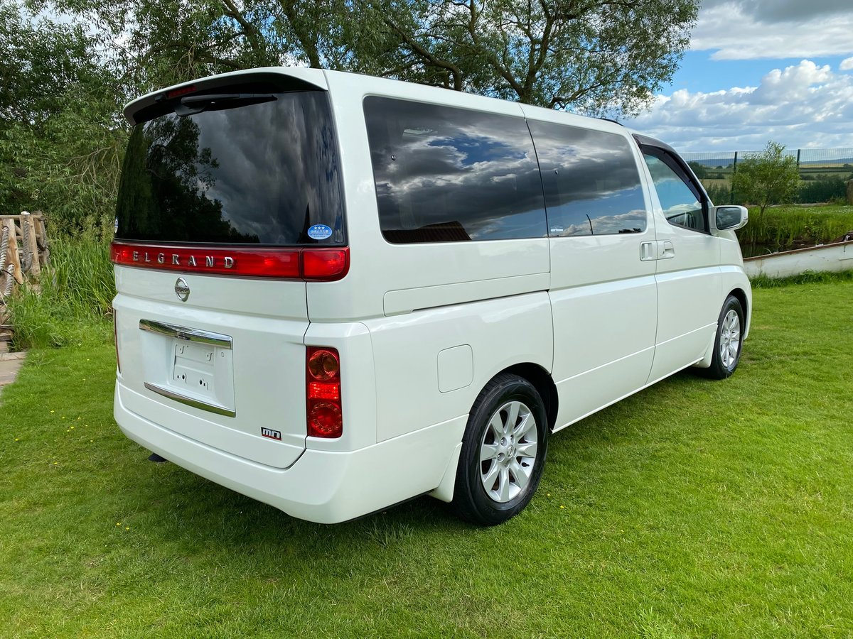 2005 NISSAN ELGRAND 3.5 XL 4X4 FULL LEATHER TWIN POWER DOORS * SOLD (picture 2 of 6)