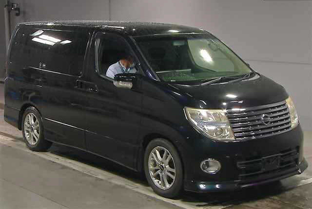 2005 NISSAN ELGRAND 3.5 HIGHWAY STAR 4X4 8 SEATER * LOW MILEAGE * For Sale (picture 1 of 6)