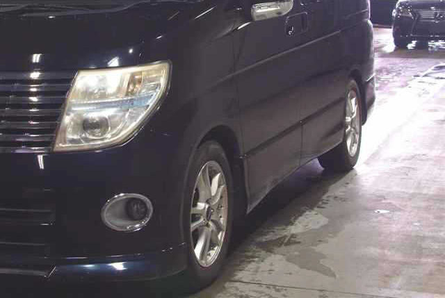 2005 NISSAN ELGRAND 3.5 HIGHWAY STAR 4X4 8 SEATER * LOW MILEAGE * For Sale (picture 2 of 6)