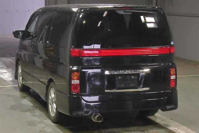 2005 NISSAN ELGRAND 3.5 HIGHWAY STAR 4X4 8 SEATER * LOW MILEAGE * For Sale (picture 4 of 6)