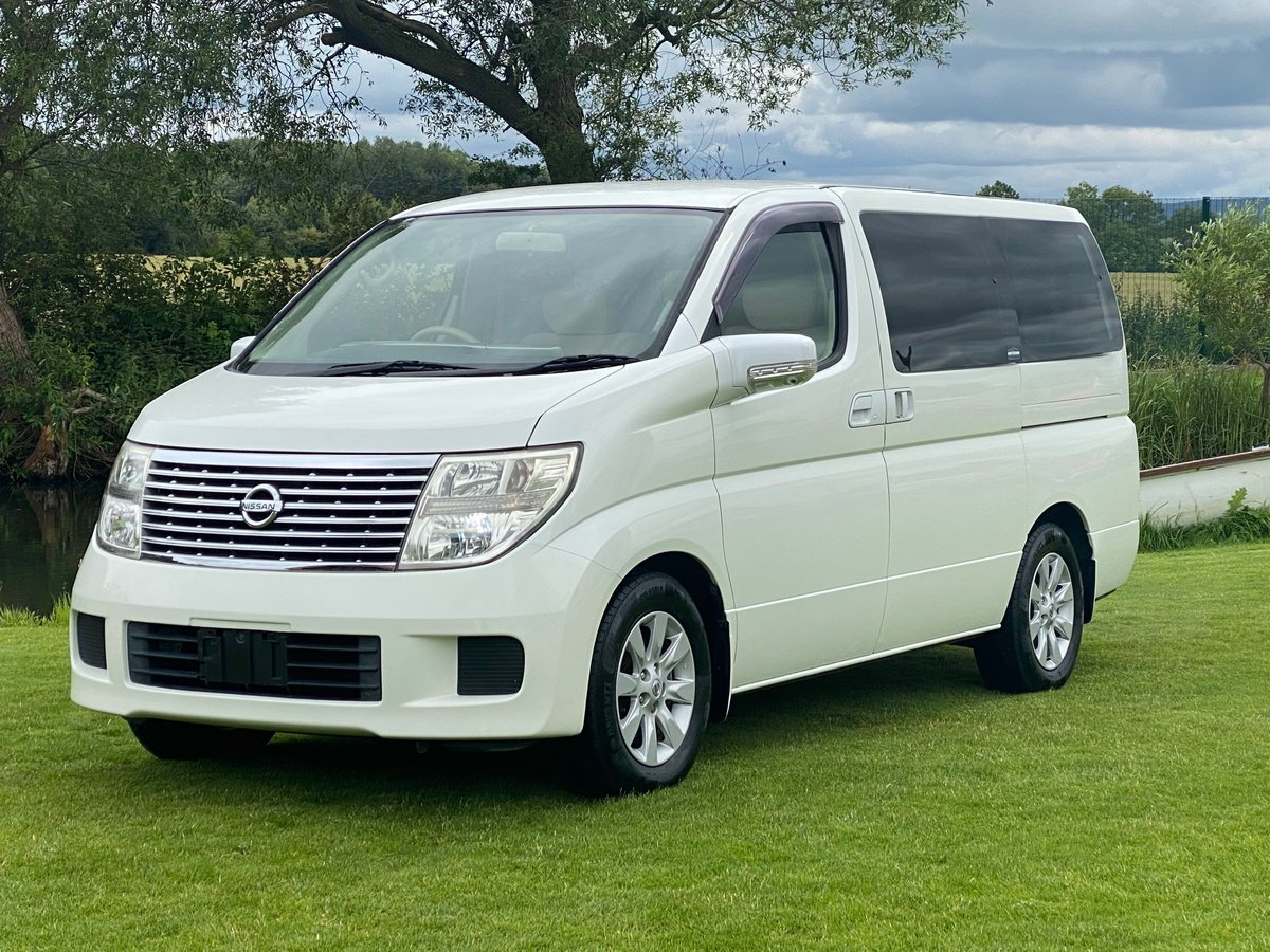 2005 NISSAN ELGRAND 3.5 AUTOMATIC 8 SEATER CAMPER * 33000 MILES * For Sale (picture 1 of 6)