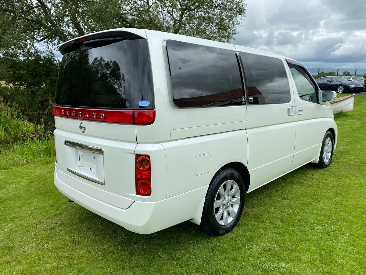 2005 NISSAN ELGRAND 3.5 AUTOMATIC 8 SEATER CAMPER * 33000 MILES * For Sale (picture 2 of 6)