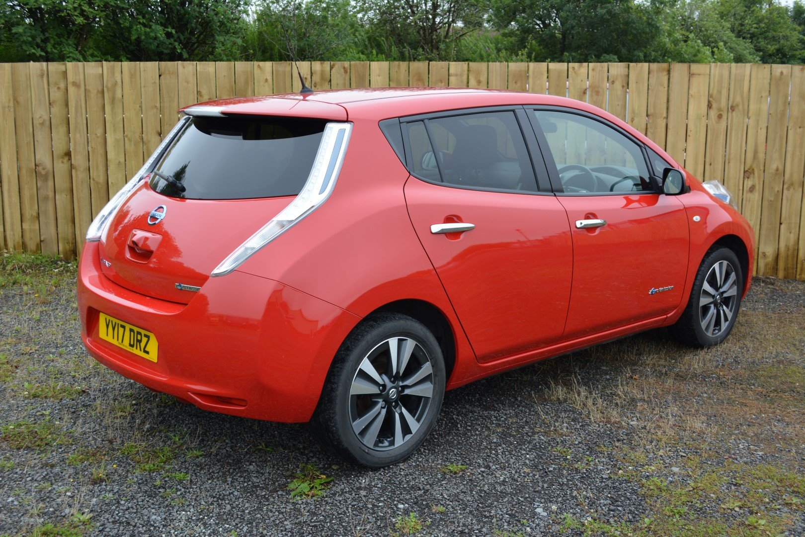 2017 Nissan Leaf Tekna 30kwh - Heated Leather - Sat Nav For Sale (picture 2 of 6)