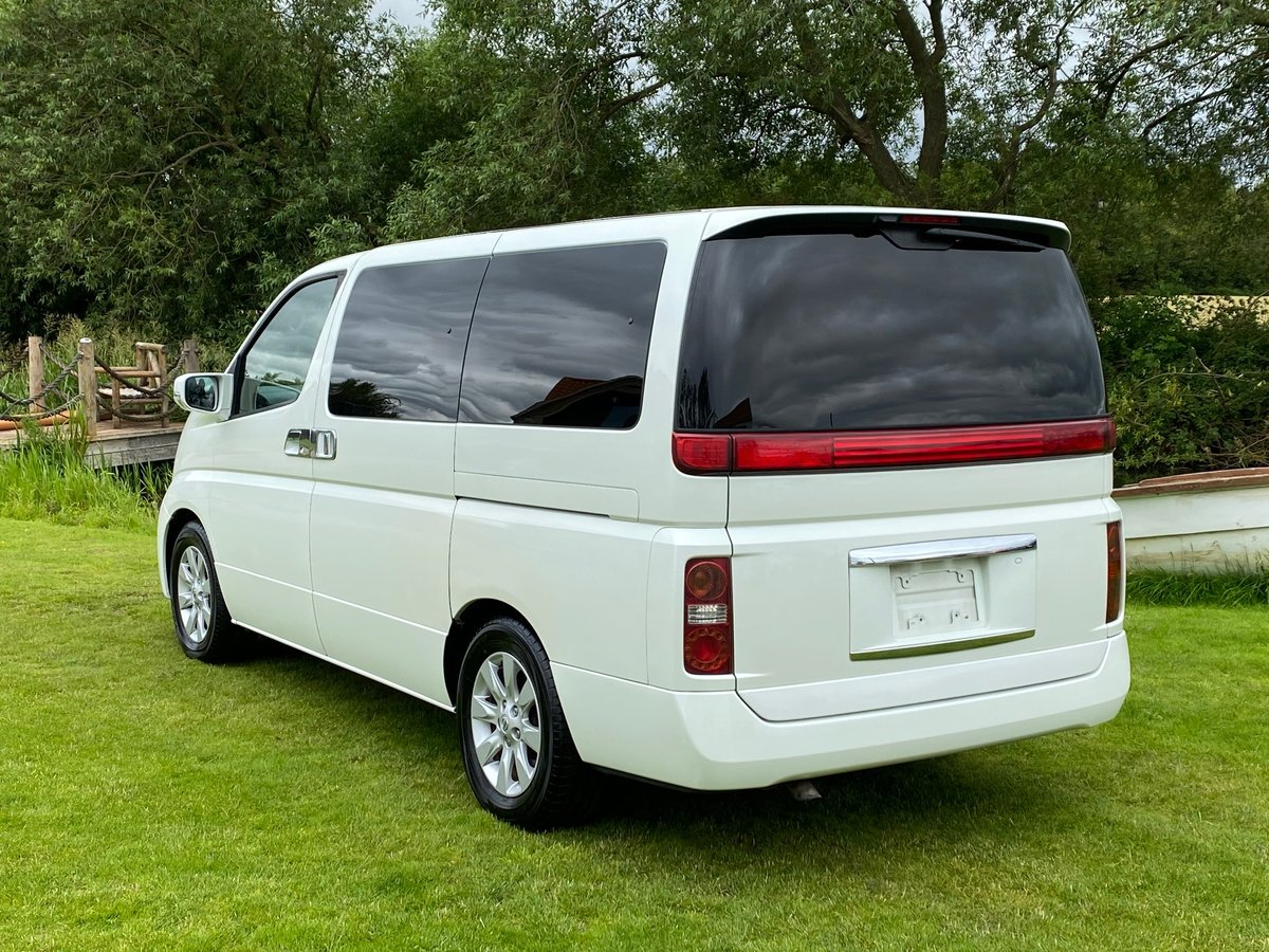 NISSAN ELGRAND 2005 3.5 XL 4X4 * LEATHER SEATS * 7 SEATER SOLD (picture 2 of 6)