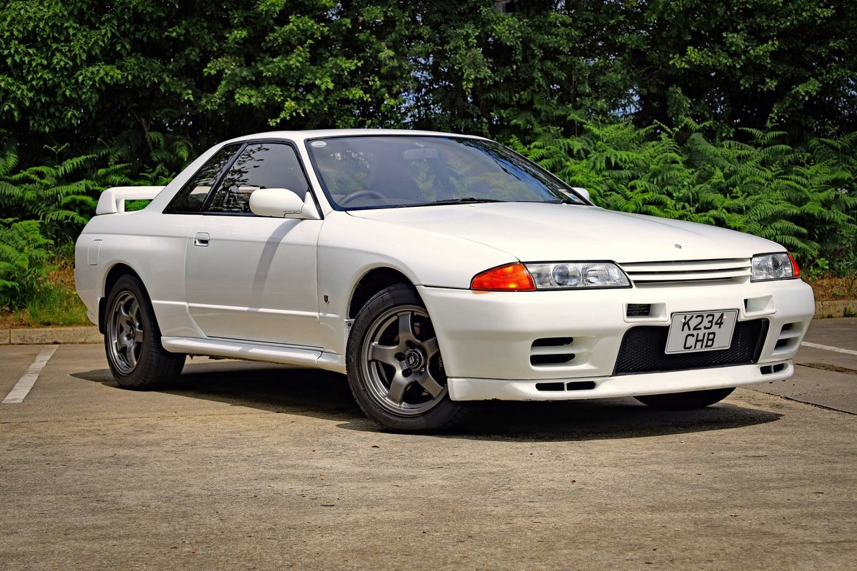 1993 NISSAN SKYLINE R32 GT-R unmodified Japanese performance icon For Sale (picture 2 of 10)