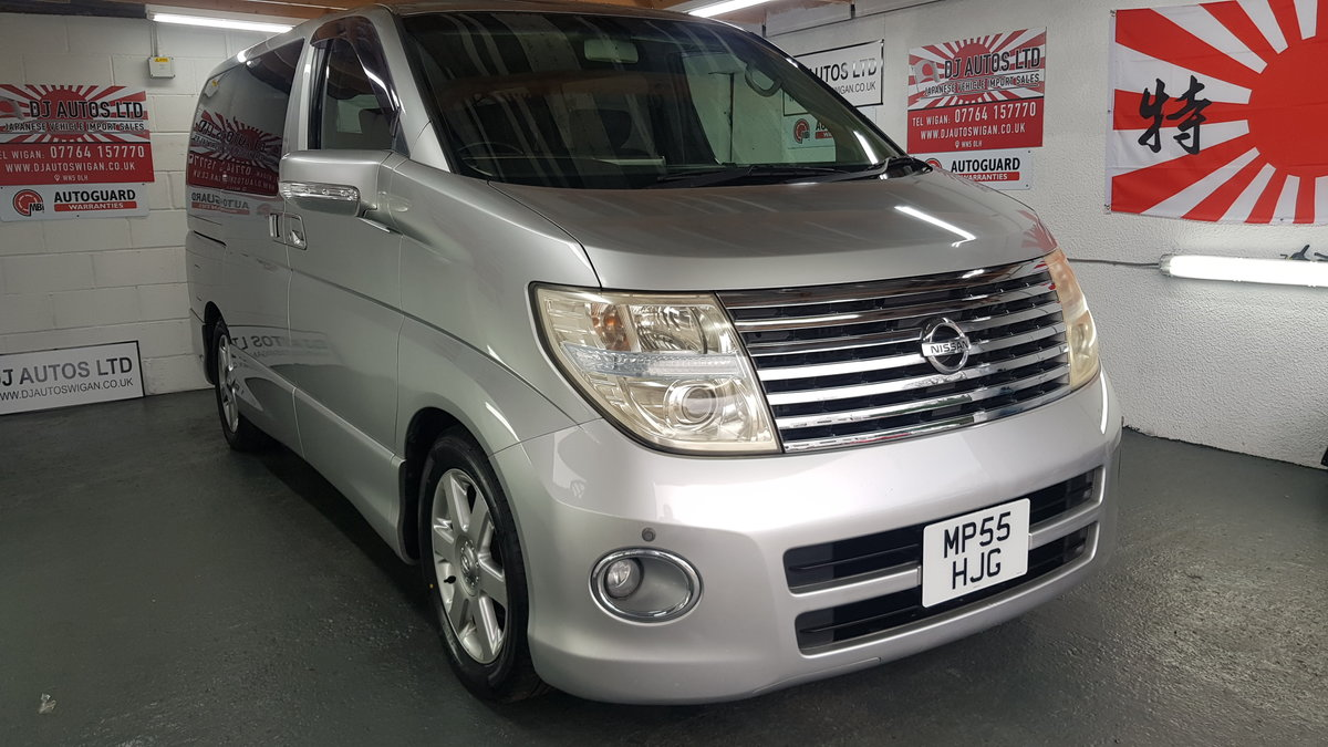 2006 Nissan Elgrand 3.5 automatic 8 seater silver day v For Sale (picture 3 of 6)