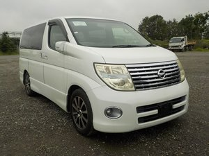 NISSAN ELGRAND 3.5 HIGHWAY STAR AERO KIT PEARL WHITE *