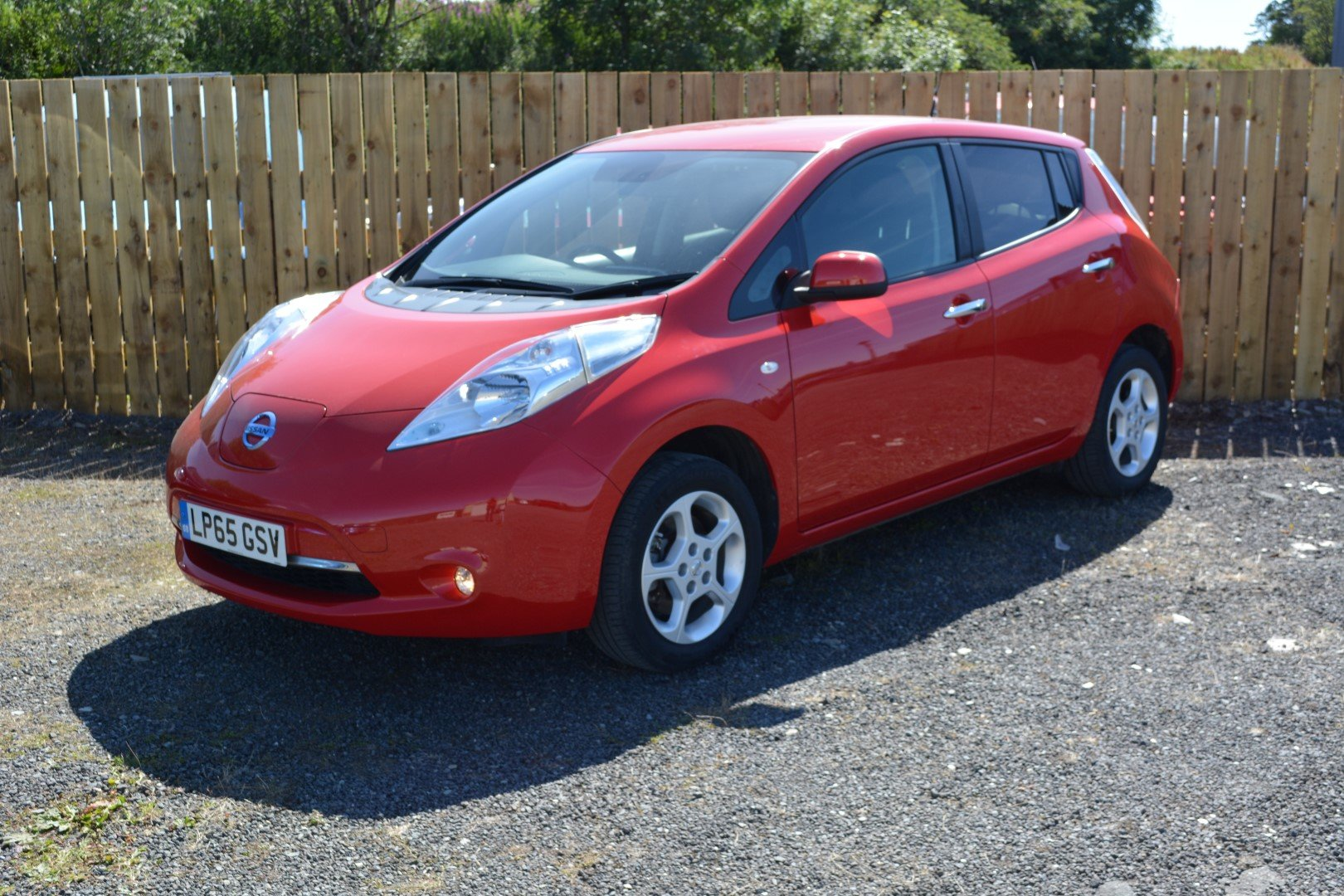 2016 2015 Nissan Leaf 24kwh Acenta 6.6kw Charger For Sale (picture 1 of 6)
