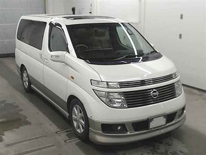 NISSAN ELGRAND 3.5 X 8 SEATER 4X4 TWIN SUNROOFS * LOW MILES