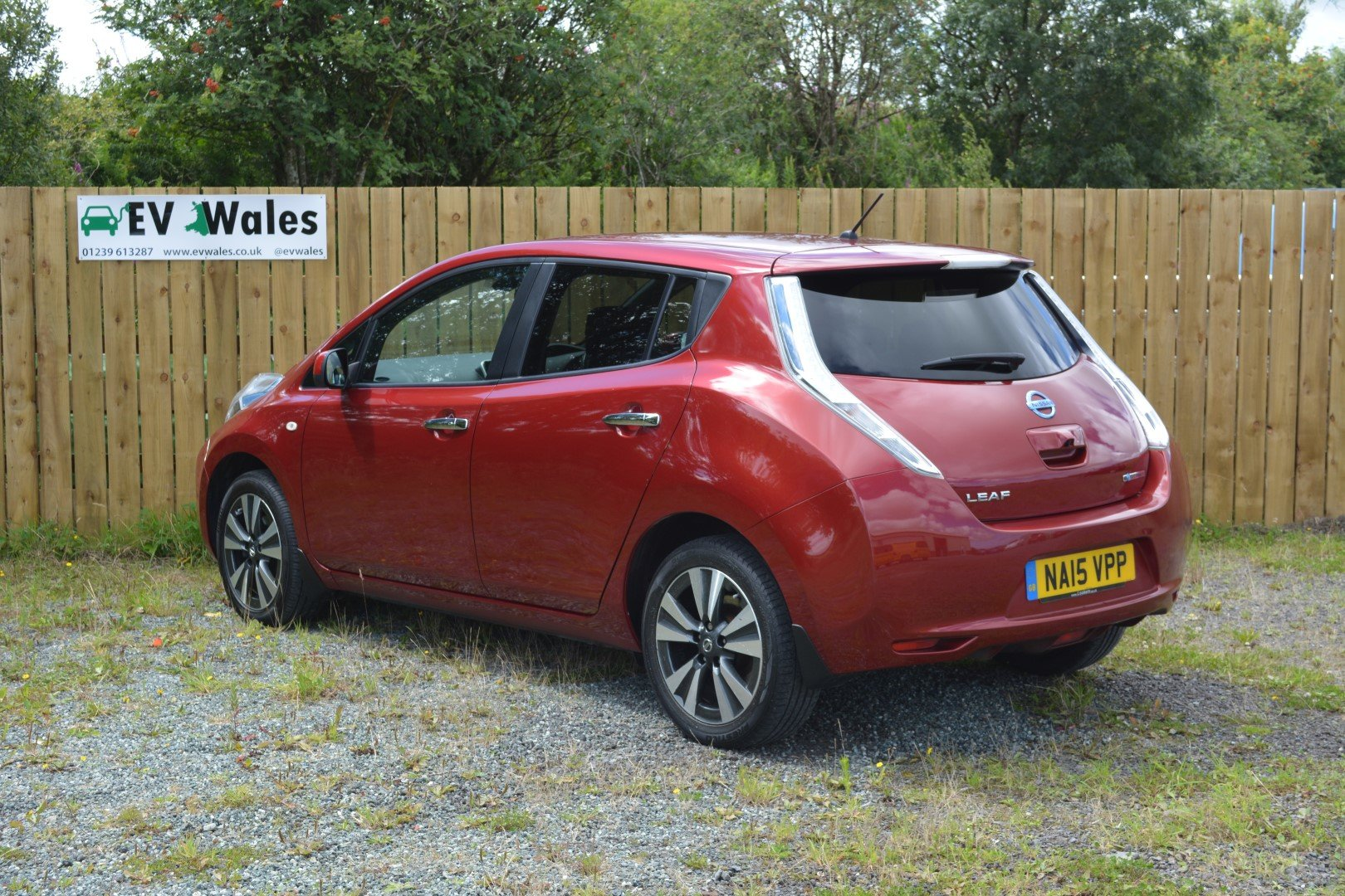 2015 Nissan Leaf Tekna 24kwh - Heated Leather - Sat Nav For Sale (picture 4 of 6)