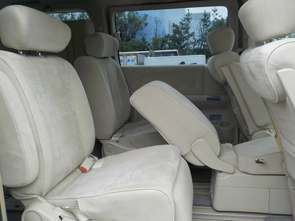 2007 NISSAN ELGRAND 3.5 X 4X4 AUTOMATIC * 8 SEATER * PEARL WHITE For Sale (picture 4 of 6)