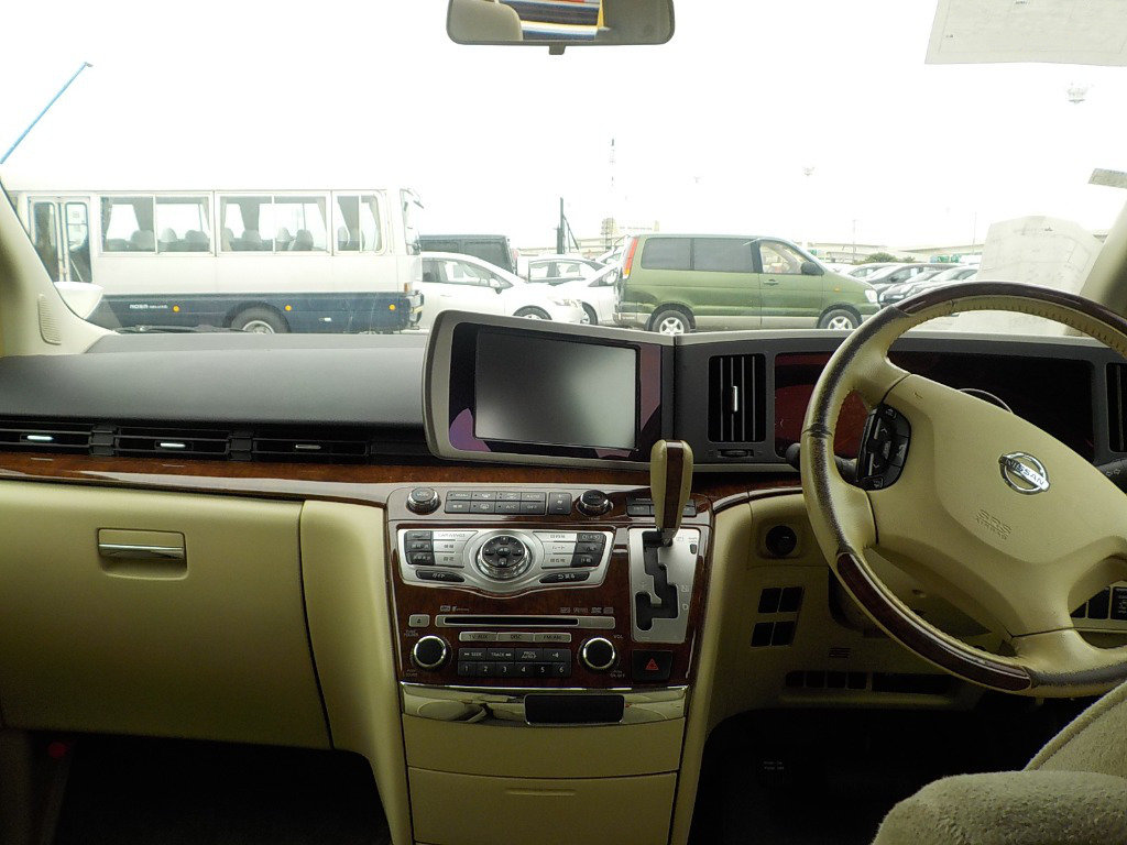 2007 NISSAN ELGRAND 3.5 X 4X4 AUTOMATIC * 8 SEATER * PEARL WHITE For Sale (picture 5 of 6)