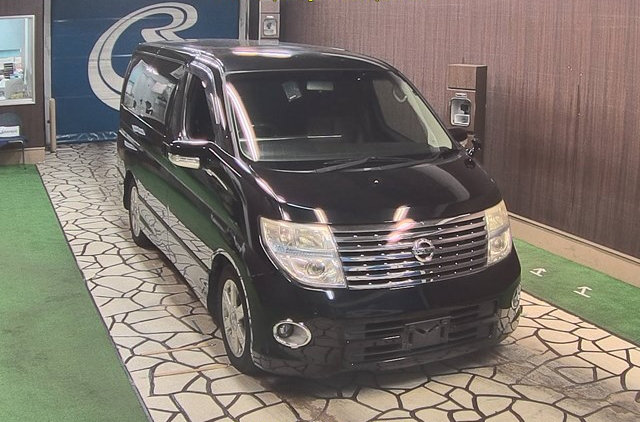 2007 NISSAN ELGRAND 3.5 HIGHWAY STAR AUTOMATIC 8 SEATER CAMPER For Sale (picture 1 of 6)