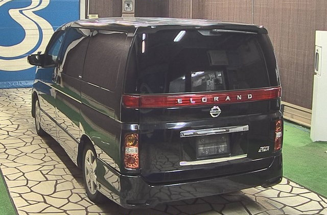 2007 NISSAN ELGRAND 3.5 HIGHWAY STAR AUTOMATIC 8 SEATER CAMPER For Sale (picture 3 of 6)