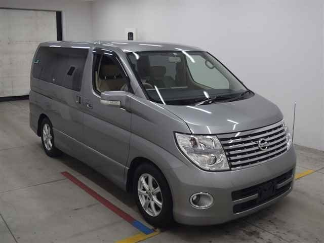 2005 NISSAN ELGRAND HIGHWAY STAR 3.5 AUTOMATIC * 8 SEATER * ELECT For Sale (picture 2 of 6)