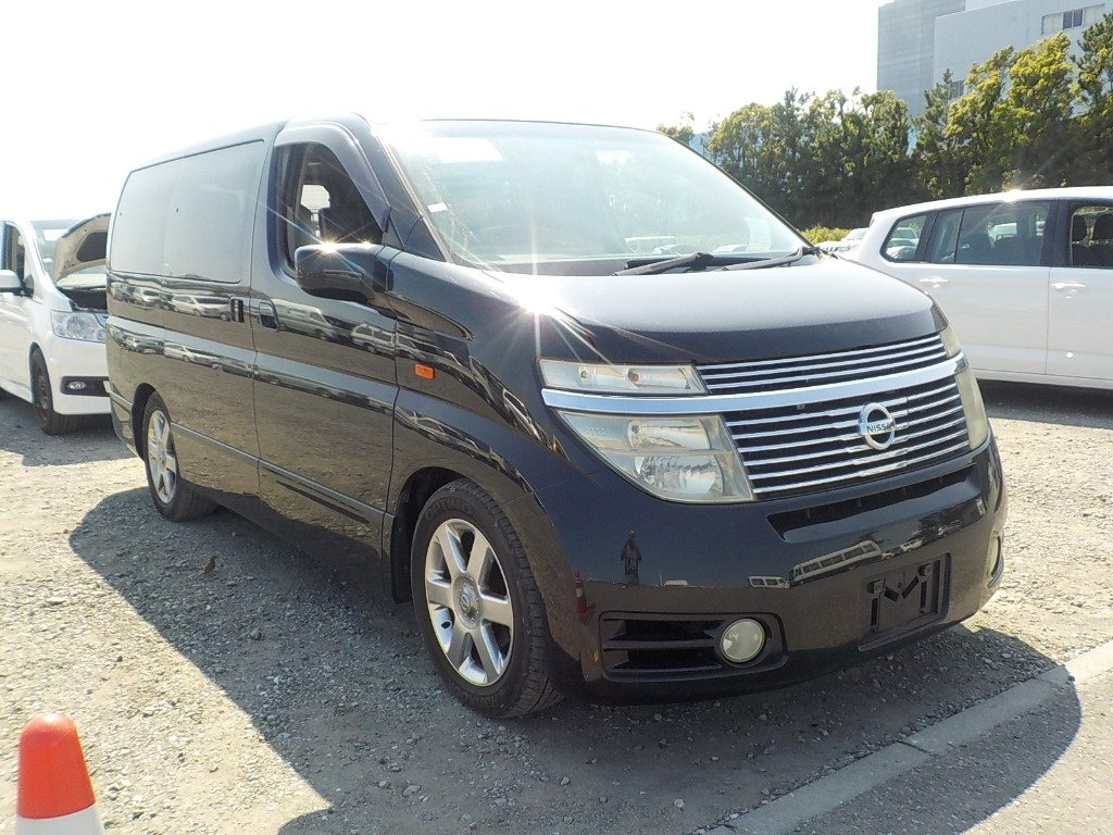 2003 NISSAN ELGRAND 3.5 HIGHWAY STAR 4X4 8 SEATER * LOW MILEAGE * For Sale (picture 1 of 6)