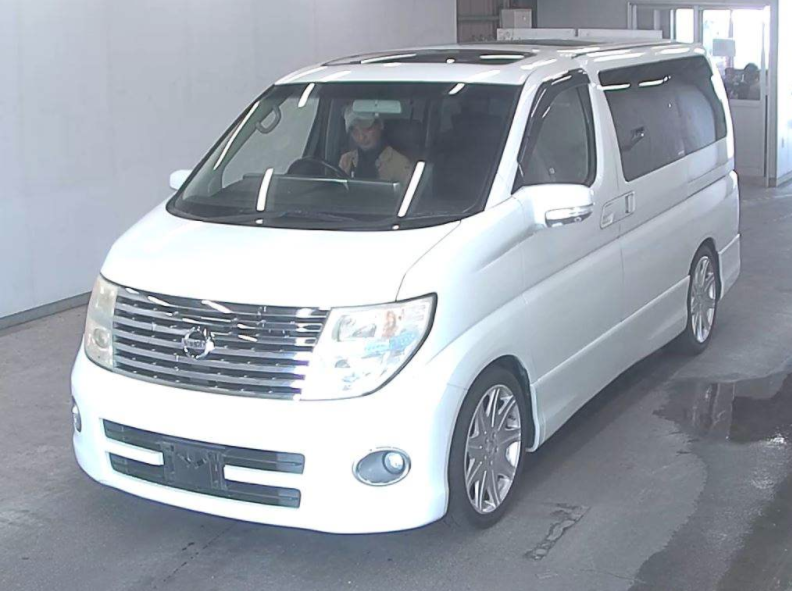 2005 NISSAN ELGRAND 2.5 HIGHWAY STAR 8 SEATER * TWIN SUNROOF * For Sale (picture 1 of 6)