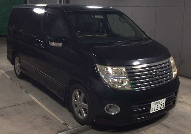 2004 NISSAN ELGRAND 3.5 HIGHWAY STAR AUTOMATIC 8 SEATER CAMPER *  For Sale (picture 1 of 6)