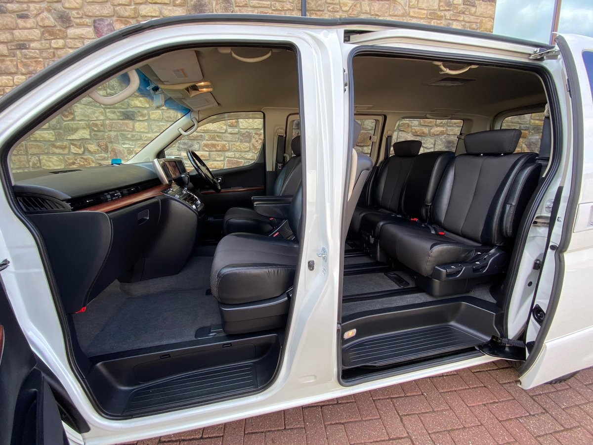 2005 NISSAN ELGRAND 3.5 HIGHWAY STAR AERO KIT PEARL WHITE *  For Sale (picture 4 of 6)