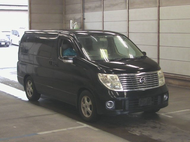 2005 NISSAN ELGRAND 3.5 VG 4X4 AUTOMATIC * 8 SEATER * For Sale (picture 1 of 6)