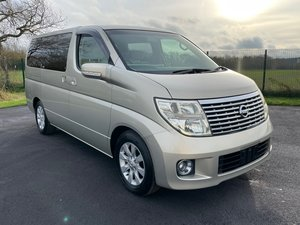 NISSAN ELGRAND 3.5 X 8 SEATER * BUSINESS SEATS * POWER DOOR