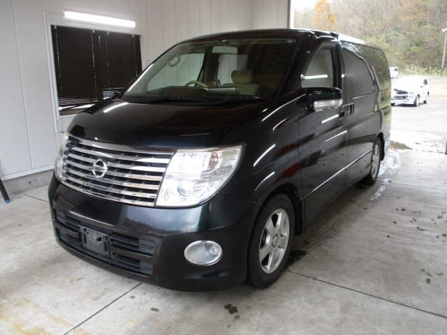 2005 NISSAN ELGRAND 2.5 HIGHWAY STAR 4X4 8 SEATER * LOW MILES For Sale (picture 1 of 5)