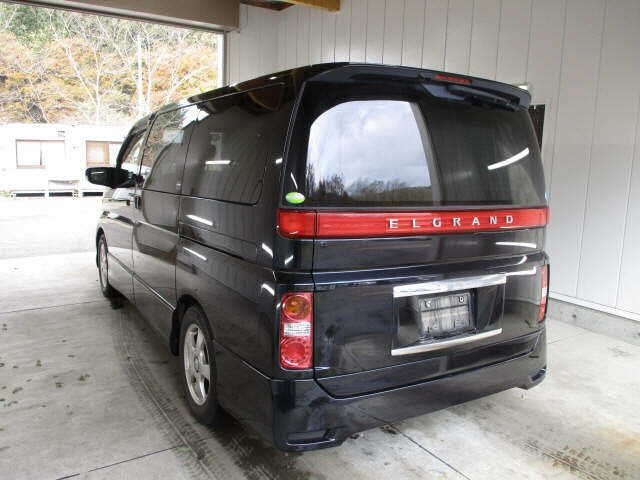 2005 NISSAN ELGRAND 2.5 HIGHWAY STAR 4X4 8 SEATER * LOW MILES For Sale (picture 3 of 5)