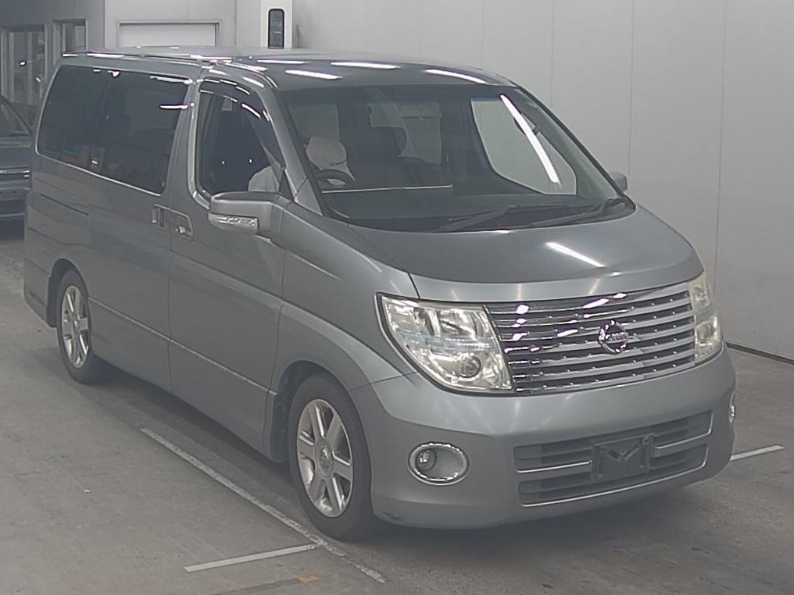 2005 NISSAN ELGRAND 2.5 AUTOMATIC HIGHWAY STAR 8 SEATER * For Sale (picture 1 of 6)