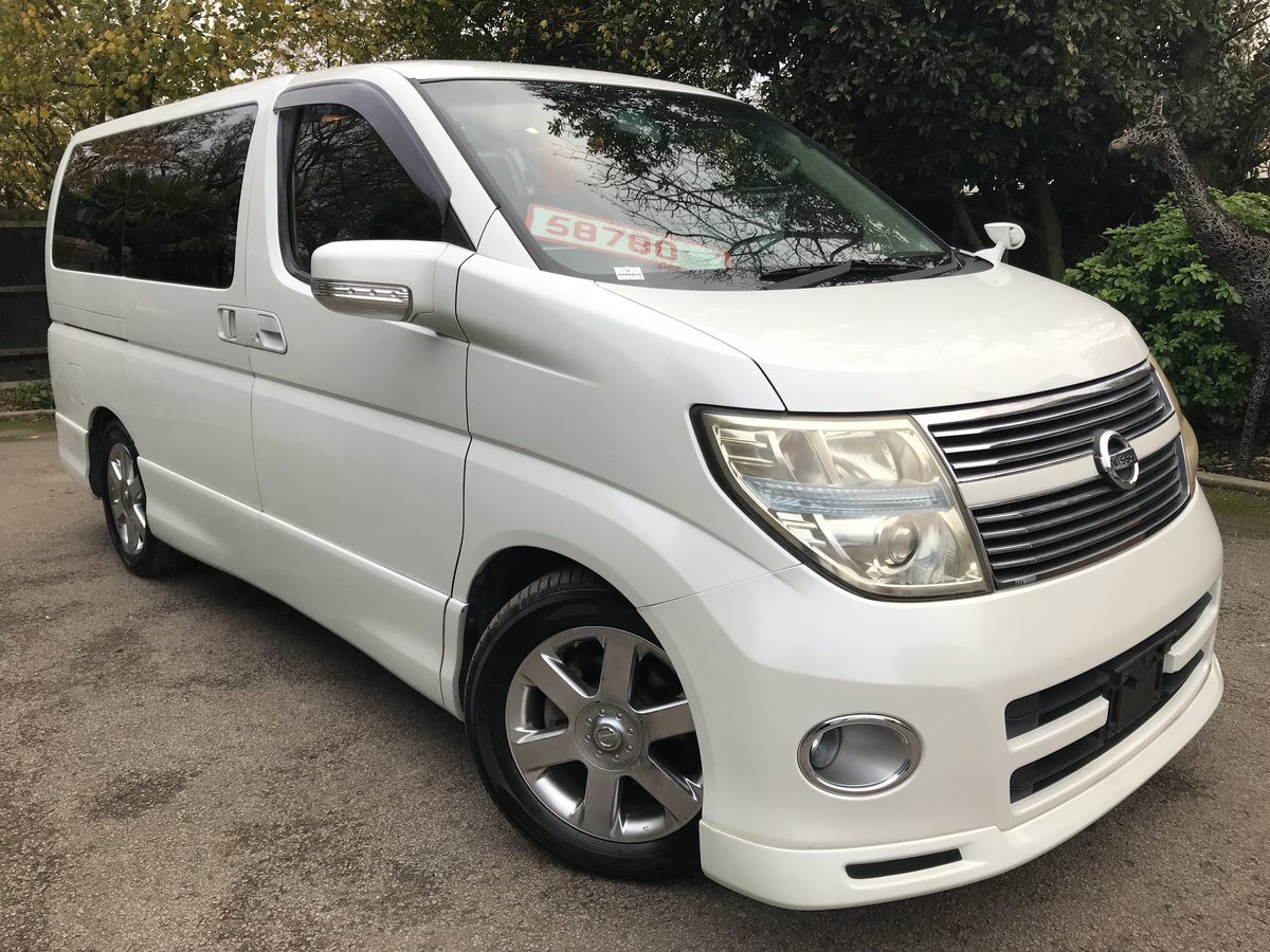 2009 Nissan Elgrand 2.5 V6 AUTO, HIGHWAY STAR, 8 Seats For Sale (picture 1 of 6)
