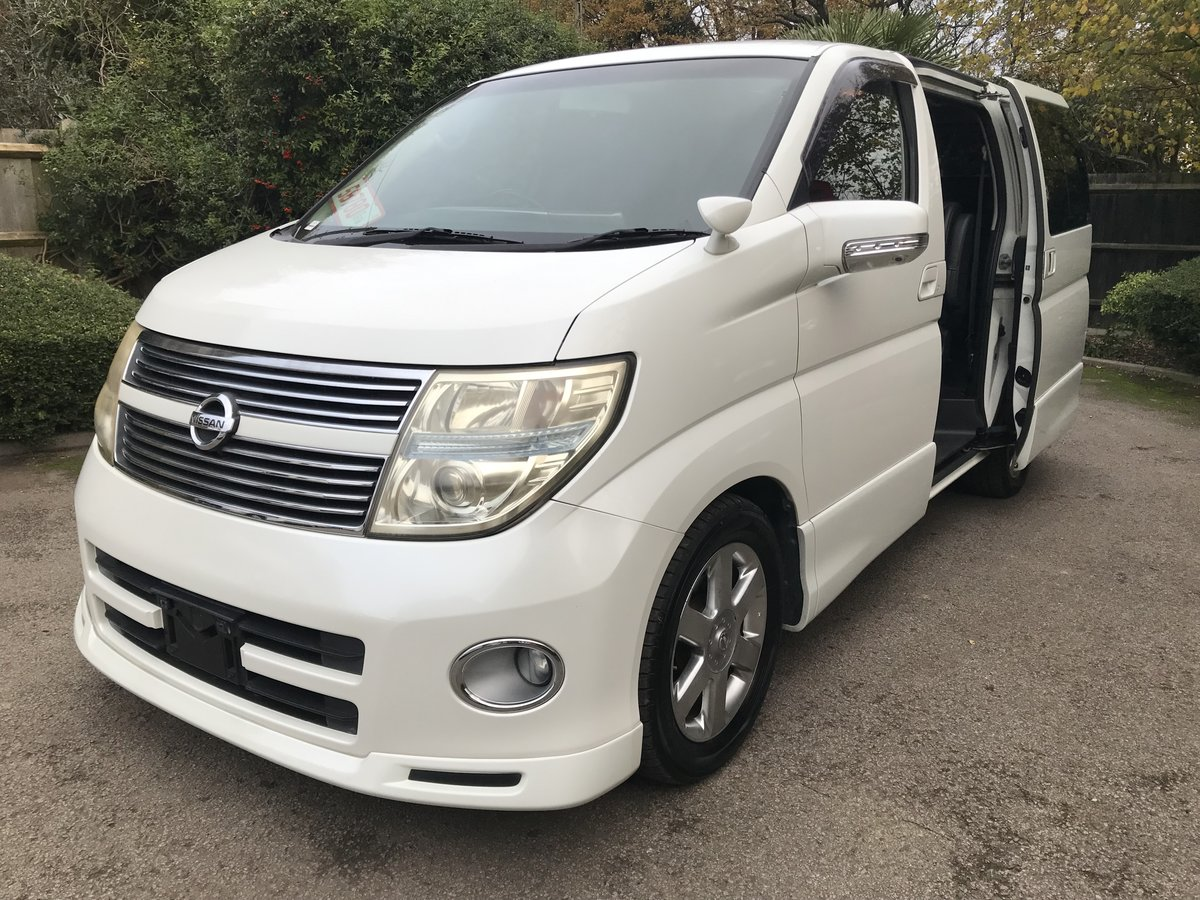 2009 Nissan Elgrand 2.5 V6 AUTO, HIGHWAY STAR, 8 Seats For Sale (picture 3 of 6)