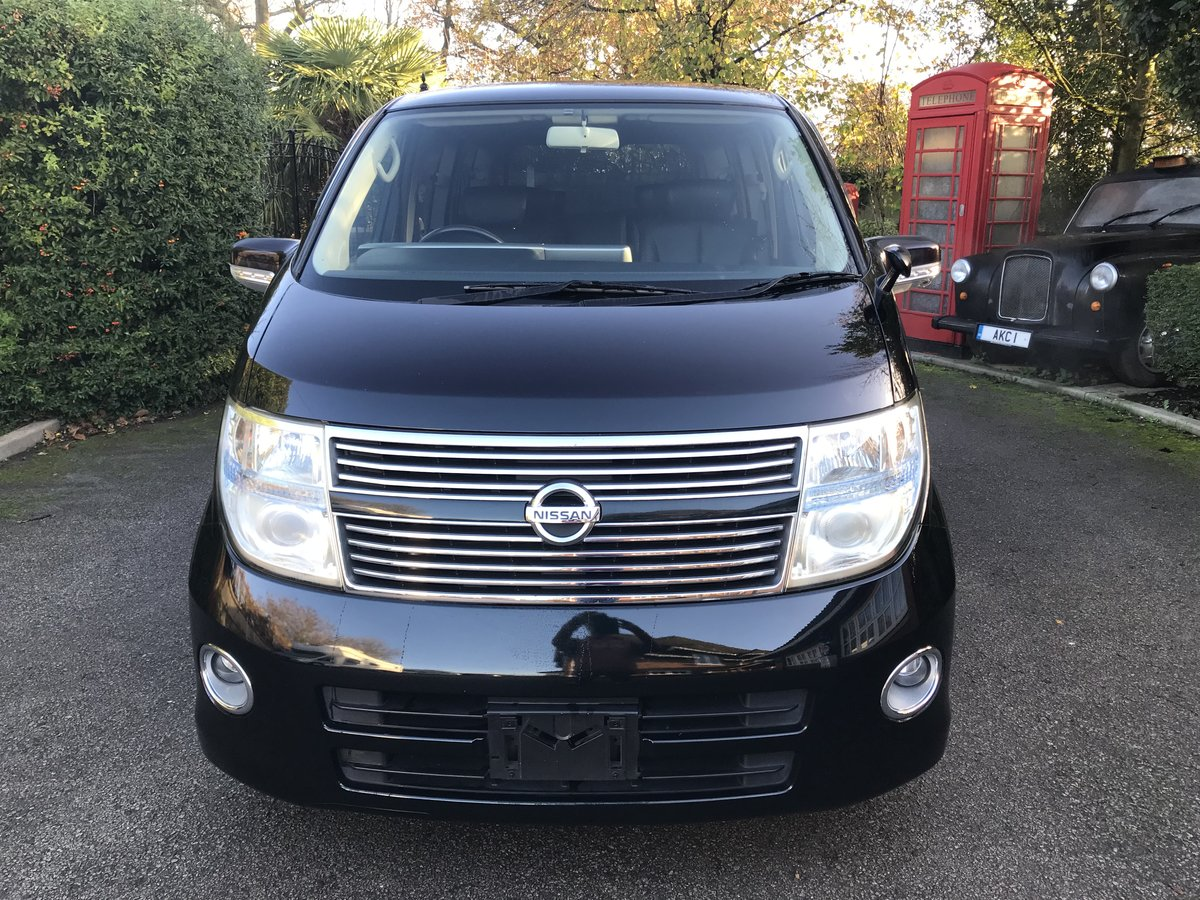 2010 Nissan Elgrand 2.5 V6 AUTO, HIGHWAY STAR, 8 Seats For Sale (picture 2 of 6)