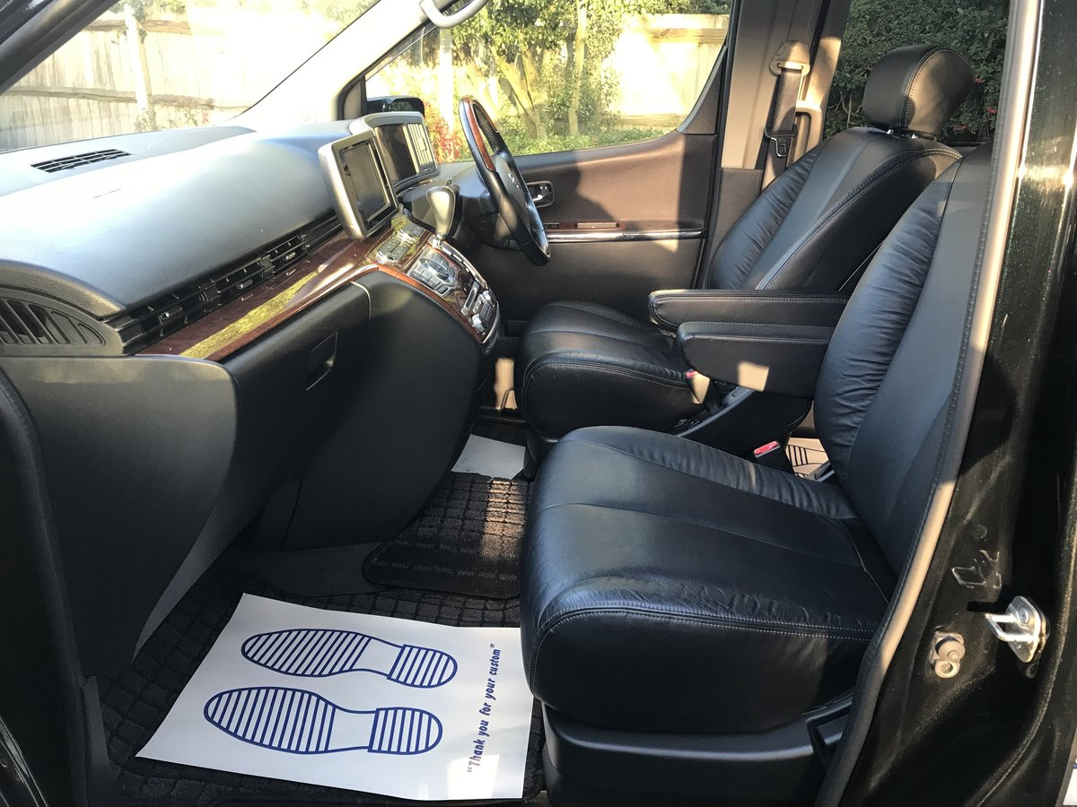 2010 Nissan Elgrand 2.5 V6 AUTO, HIGHWAY STAR, 8 Seats For Sale (picture 4 of 6)