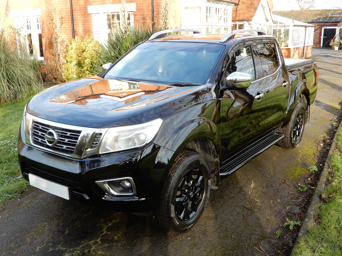 2017 Nissan Navara 2.3 DCI NP 300 Tekna SOLD (picture 1 of 12)