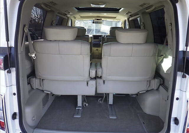 2003 NISSAN ELGRAND 3.5 XL FULL LEATHER * TWIN SUNROOFS * For Sale (picture 5 of 6)