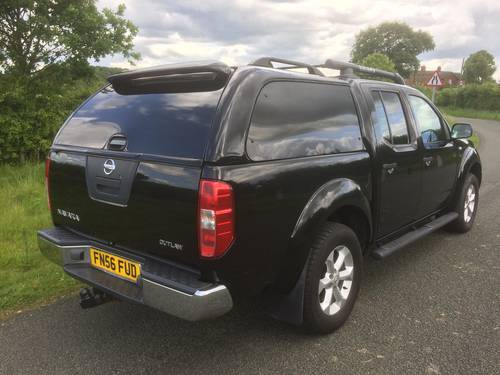 2006 NISSAN NAVARA OUTLAW AUTO 1 LADY OWNER LOW MILEAGE SOLD (picture 2 of 6)