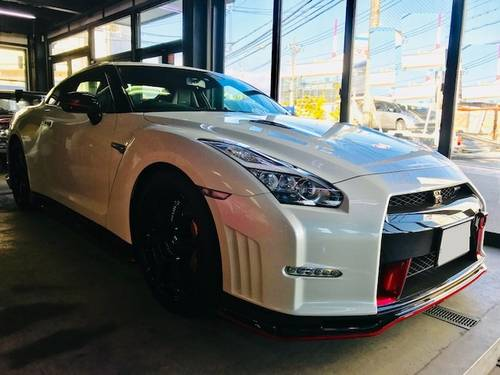 2015 Nissan GT-R 3.8 R35 NISMO 3,560km £100000 SOLD (picture 2 of 6)