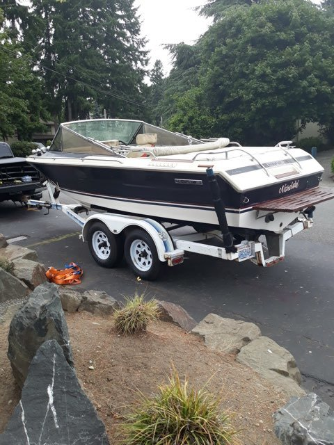 1982 Century Arabian Ski Boat - Lot 609 For Sale by Auction (picture 2 of 5)