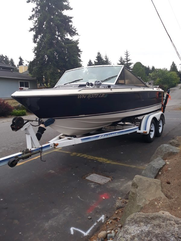 1982 Century Arabian Ski Boat - Lot 609 For Sale by Auction (picture 4 of 5)
